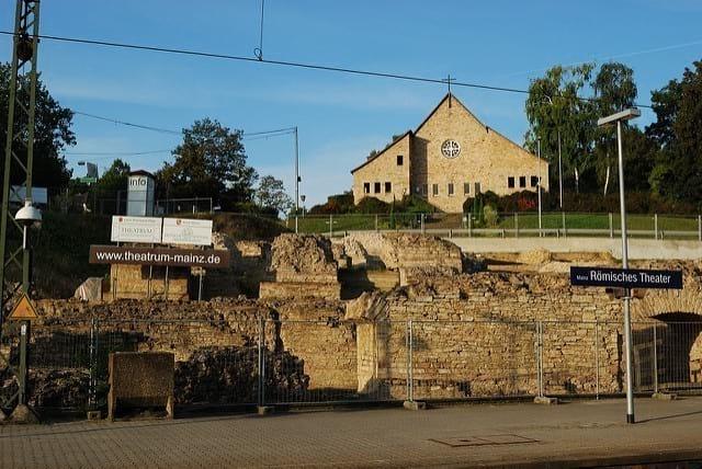 Parken Rheingoldhalle Mainz